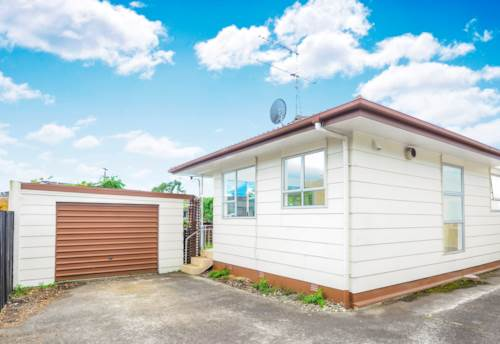 Mt Wellington, Tastefully renovated, quiet street, good sized fenced back yard., Property ID: 25000947 | Barfoot & Thompson