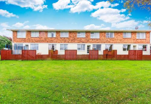Glen Eden, Solid two bedroom unit, in family style block., Property ID: 25000968 | Barfoot & Thompson