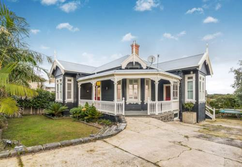Mt Eden, Executive Villa!, Property ID: 25001980 | Barfoot & Thompson