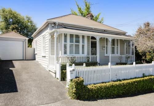 Mt Eden, White Picket Fence in Mt Eden No Let fee, Property ID: 25002000 | Barfoot & Thompson