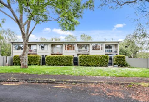 Mt Eden, Fully furnished & tastefully renovated, Property ID: 25002003 | Barfoot & Thompson