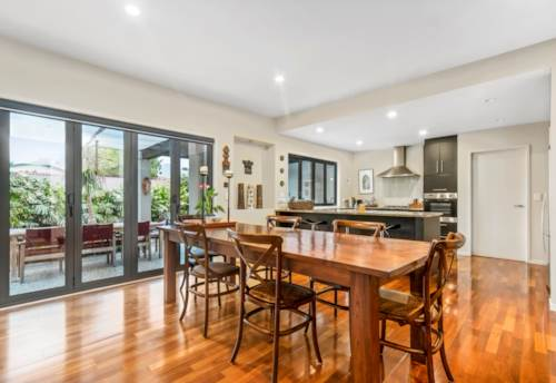 Mt Eden, Hideaway With Architectural Flair, Property ID: 25002012 | Barfoot & Thompson