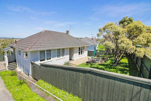 Glen Innes, Family  bungalow, Property ID: 25002018 | Barfoot & Thompson