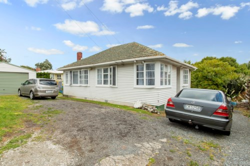 Otahuhu, No Let fee, Property ID: 25002031 | Barfoot & Thompson