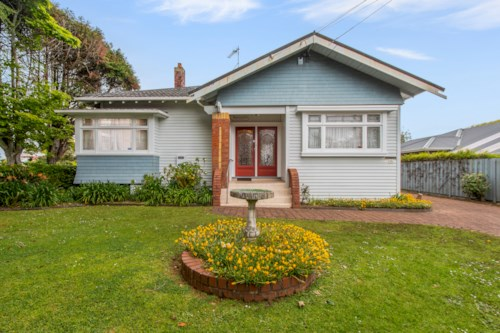 Mt Eden, Character Villar in Double Grammar, Property ID: 25002053 | Barfoot & Thompson