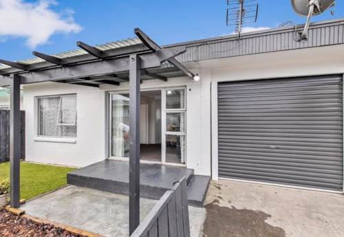 Mangere East, Fully renovated, Property ID: 25002056 | Barfoot & Thompson