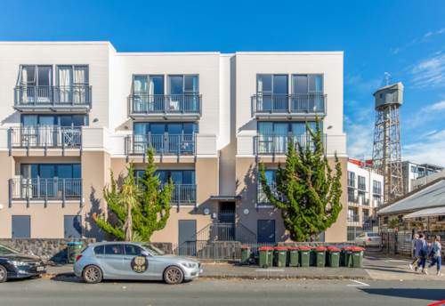 Mt Eden, Sunny corner Apartment with two carparks, Property ID: 25002092 | Barfoot & Thompson