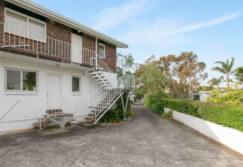 Mt Eden, Suited for two people, Property ID: 25002112 | Barfoot & Thompson