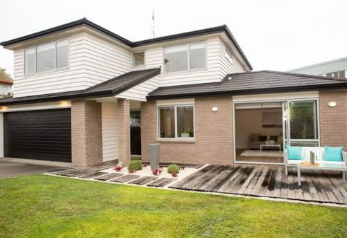 St Johns, Large tidy family home, Property ID: 25002116   Barfoot & Thompson