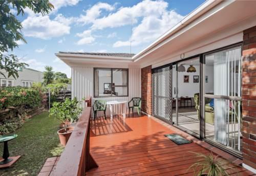 New Lynn, Two bedroom unit, internal garage, Property ID: 26001166   Barfoot & Thompson
