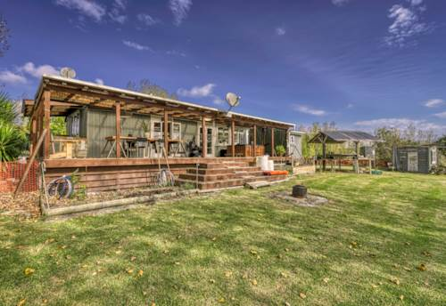 Mangawhai, Character Bungalow in Private Setting, Property ID: 810648 | Barfoot & Thompson
