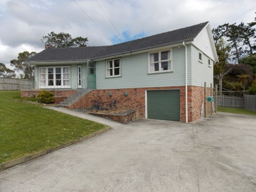 Mt Roskill, Space, privacy, and easy living, Property ID: 26001321 | Barfoot & Thompson