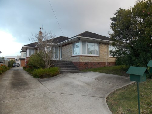 Mt Roskill, 3-bedroom brick and tile, Property ID: 26001348 | Barfoot & Thompson