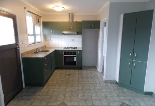Mt Roskill, RECENTLY RENOVATED UNIT, Property ID: 26001440 | Barfoot & Thompson