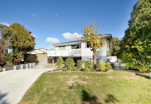 West Harbour, Beautifully Presented In Ballial!, Property ID: 26001491   Barfoot & Thompson