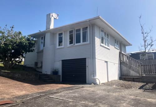 Mt Roskill, Ready and Waiting For A New Family!, Property ID: 26001571 | Barfoot & Thompson