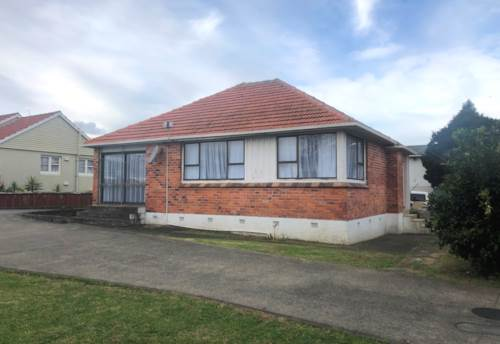 Mt Roskill, In The Zone - At A Great Price!, Property ID: 26001583 | Barfoot & Thompson