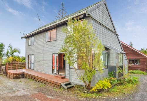 New Lynn, Don't judge a book by it's cover, Property ID: 27000879 | Barfoot & Thompson