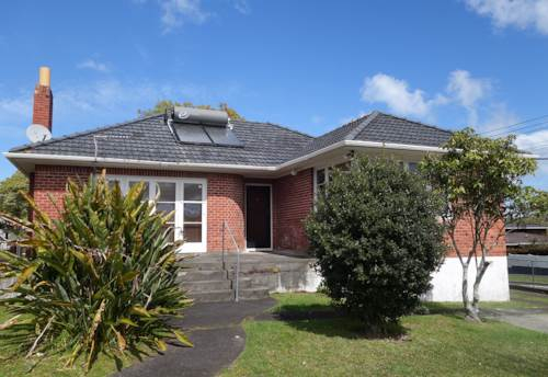 Blockhouse Bay, 3 Bedroom house with Sleepout/Rumpus, Property ID: 27000963 | Barfoot & Thompson