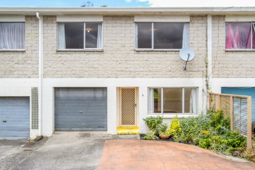 New Lynn, Rent includes Water & No Let Fee, Property ID: 27001083 | Barfoot & Thompson
