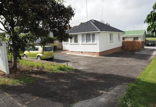 Kelston, Excellent value near local schools, Property ID: 27001159 | Barfoot & Thompson