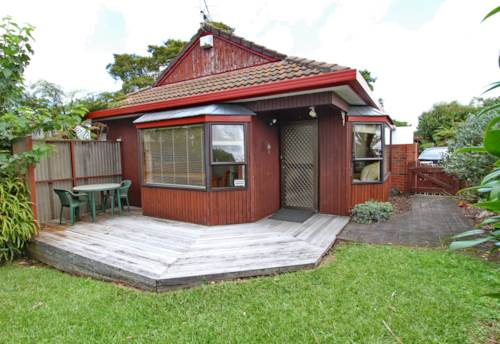 New Lynn, Handy to everything - be car free!, Property ID: 27001201 | Barfoot & Thompson