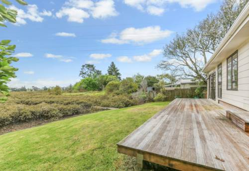 New Lynn, Your private oasis, Property ID: 27001204 | Barfoot & Thompson
