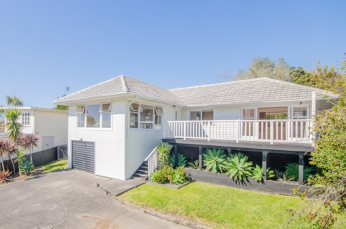 New Lynn, Excellent family home , Property ID: 27001282 | Barfoot & Thompson