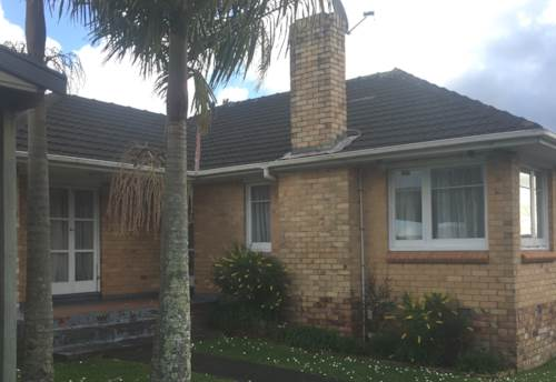 Te Atatu South, Solid Brick Beauty, Property ID: 27001297 | Barfoot & Thompson