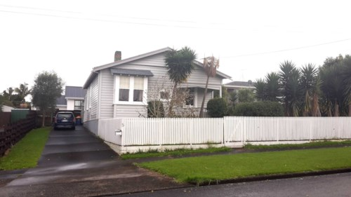 New Lynn, Family Character Home, Property ID: 27005491 | Barfoot & Thompson