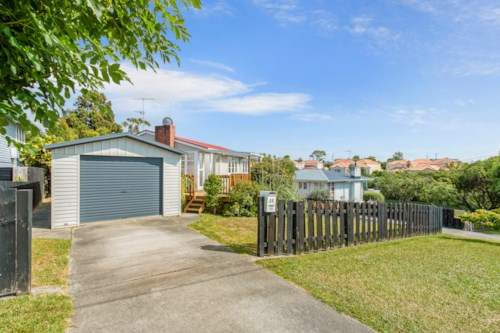 New Lynn, Delightful Family Home , Property ID: 27005537 | Barfoot & Thompson