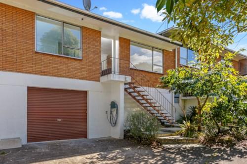New Lynn, Sunny & Stylish! , Property ID: 27005565 | Barfoot & Thompson