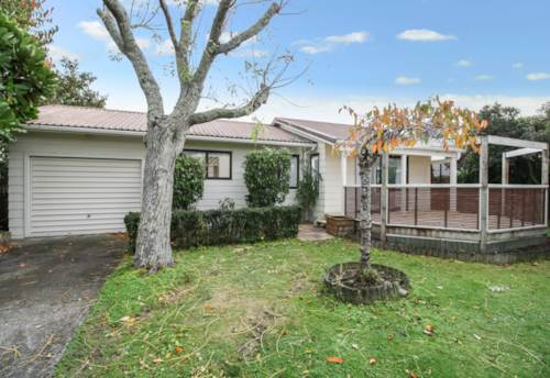 Avondale, Privacy and Comfort!!!, Property ID: 27005588   Barfoot & Thompson