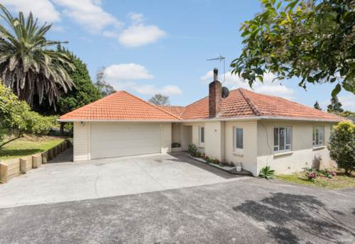 Te Atatu South, Oustanding Location, Property ID: 27006636 | Barfoot & Thompson
