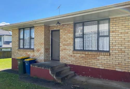 New Lynn, Spacious Hideaway, Property ID: 27006685 | Barfoot & Thompson