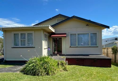 New Lynn, Character & Convenience, Property ID: 27006686 | Barfoot & Thompson
