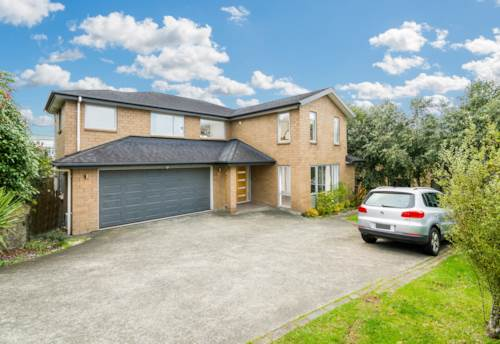 Pinehill, Spacious Home in Rangitoto College Zone, Property ID: 28000424 | Barfoot & Thompson