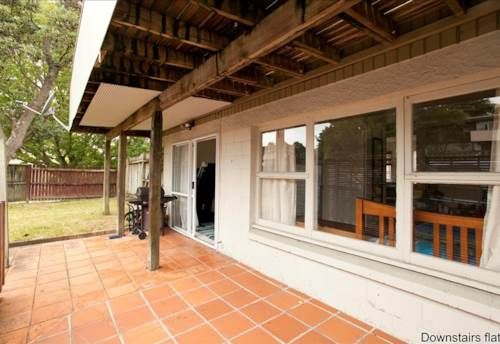 Glenfield, 2 Bedroom Flat For Rent Under the main house available, Property ID: 28000459 | Barfoot & Thompson