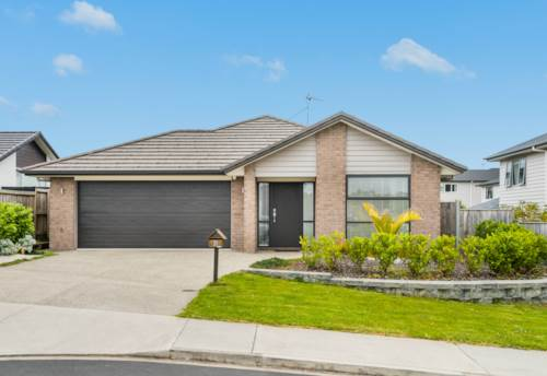 Silverdale, Beautiful Spacious Four bedroom G.J Gardener Home With Heat Pump, Property ID: 28000577   Barfoot & Thompson