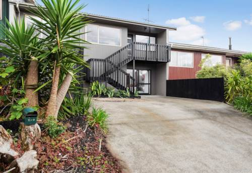Royal Heights, Fully Renovated Like New with Sea Views, Property ID: 810918 | Barfoot & Thompson