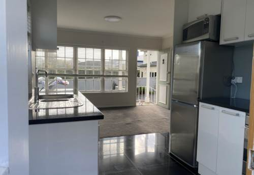 Epsom, Modern two bedroom unit in Epsom with carparking and water included, Property ID: 77001193   Barfoot & Thompson