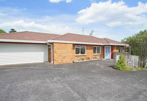 New Lynn, 3 bedroom house with 2 bathrooms., Property ID: 28000596 | Barfoot & Thompson