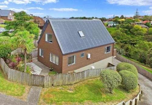 Birkenhead, 3 Bedrooms plus 1 Study for rent, Property ID: 28000605 | Barfoot & Thompson