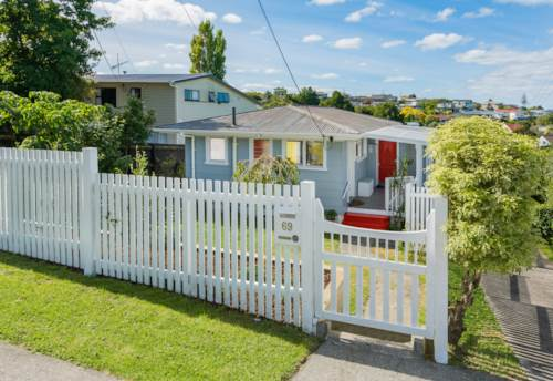 Northcote, Three bedroom home in central location, Property ID: 28000614 | Barfoot & Thompson