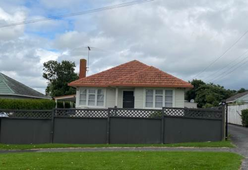 Pukekohe, NEAT AND TIDY, Property ID: 46004517 | Barfoot & Thompson