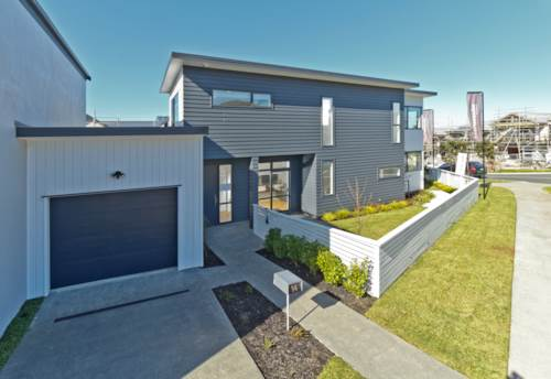 Silverdale, Well located three bedroom townhouse, Property ID: 28000633 | Barfoot & Thompson