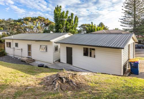 Glenfield, Cosy Family Home , Property ID: 11002272 | Barfoot & Thompson