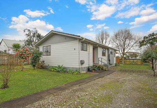 Hillcrest, Beautifully presented three bedroom home in Hillcrest, Property ID: 28000691 | Barfoot & Thompson