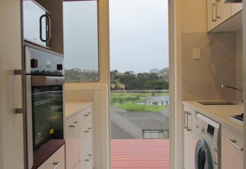 Red Beach, One Bedroom Flat, Property ID: 28000693 | Barfoot & Thompson