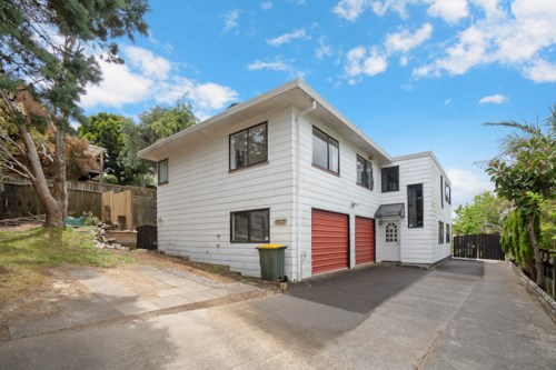 Totara Vale, 4 Bedroom house for rent, Property ID: 28000701 | Barfoot & Thompson